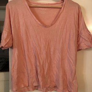 AE Cropped Pink V-Neck Shirt